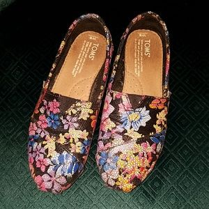 Toms shoes hand painted leather neiman Marcus 6